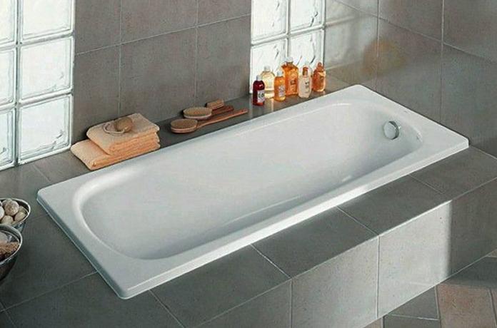 Современная ванна из чугуна