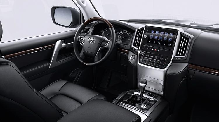 Салон Toyota Land Cruiser 200