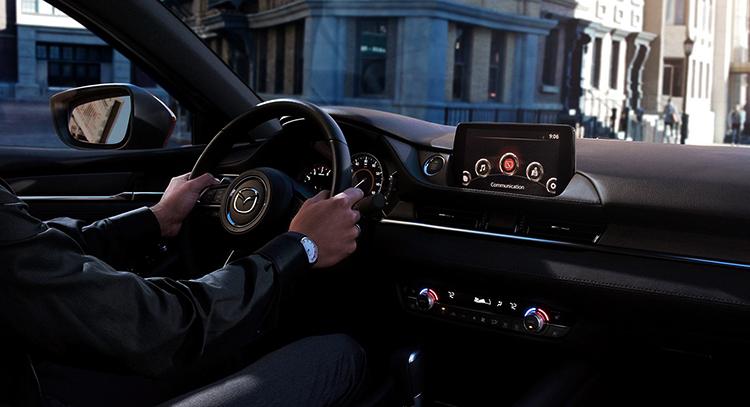 За рулем Mazda 6