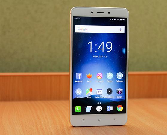 Вид смартфона Xiaomi Redmi Note 4