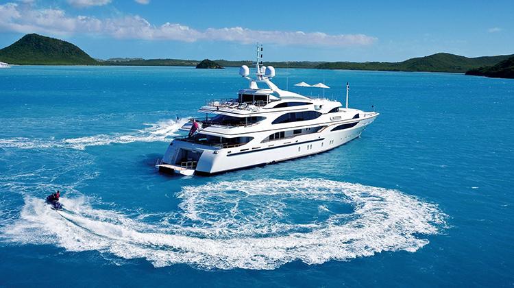 Яхта в Доминикане