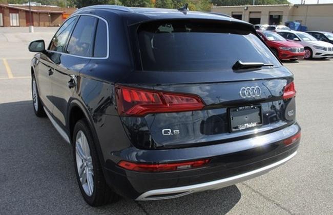 Audi Q5 сзади