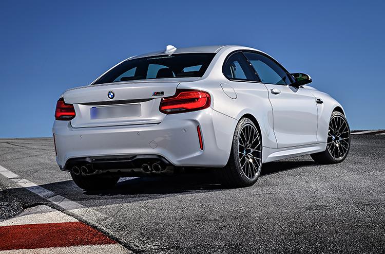 BMW M2 сзади