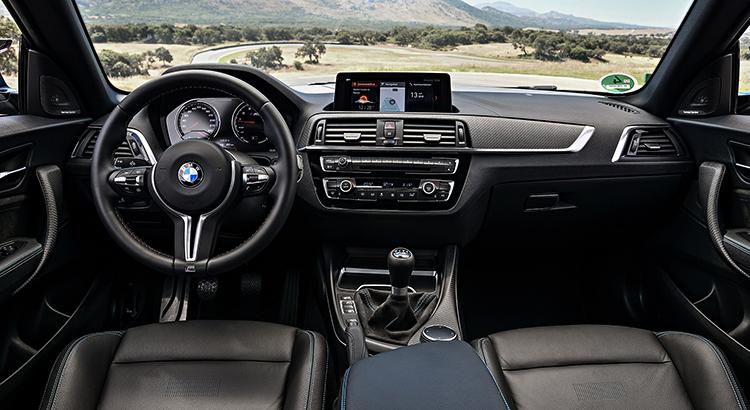 Салон BMW M2