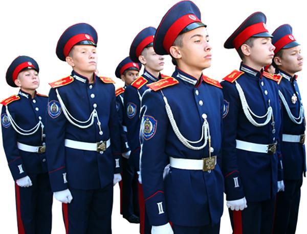 Юноши в кадетской форме