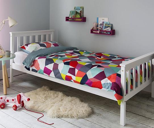 Односпальная кровать для ребенка