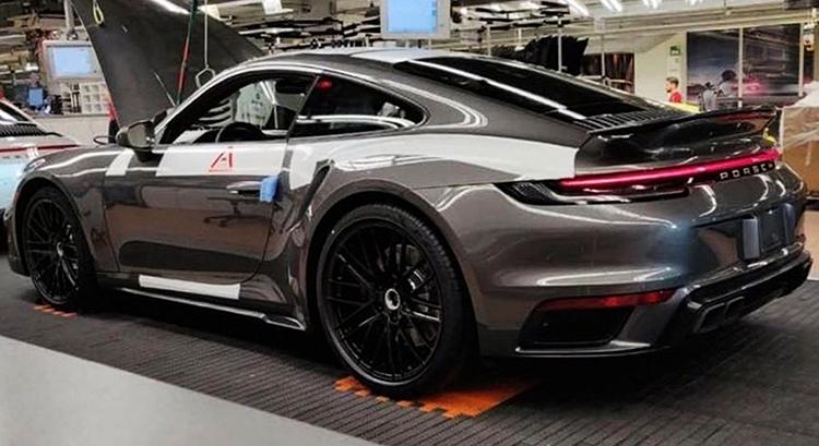 Porsche 911 в салоне