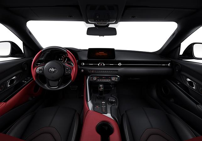 Интерьер Toyota Supra