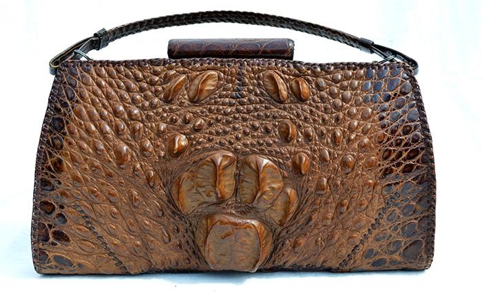 Современная сумка из кожи крокодила