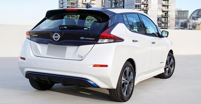 Современный Nissan Leaf