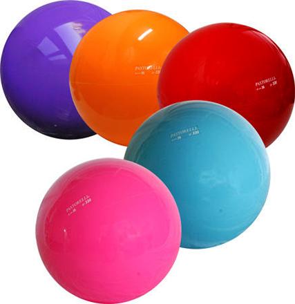 Много мячей