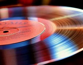 Сколько стоят виниловые пластинки советских времен — средняя цена
