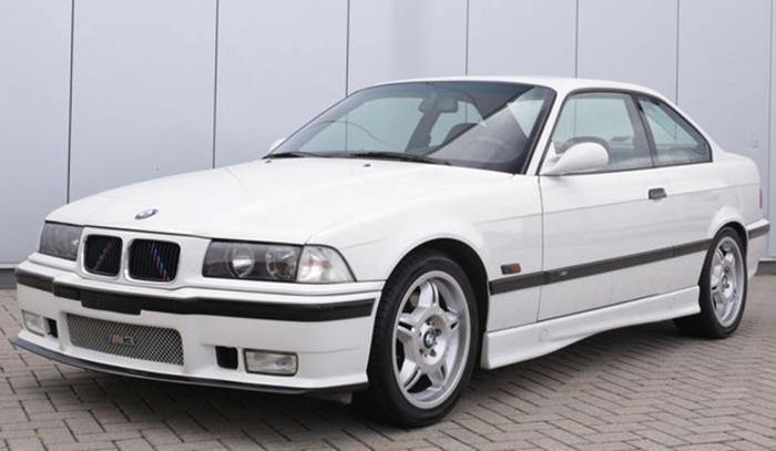 Белый BMW E36