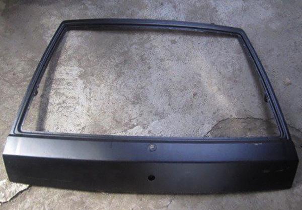 Крышка багажника на ВАЗ 2114