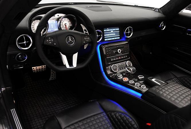 Интерьер Mercedes-Benz SLS AMG