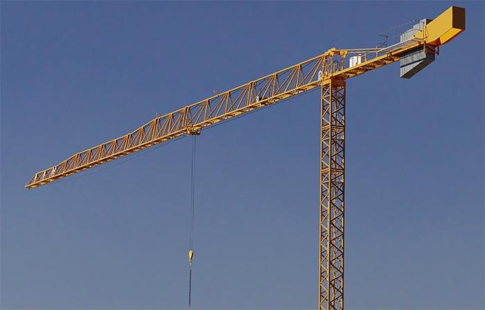 Современный башенный кран