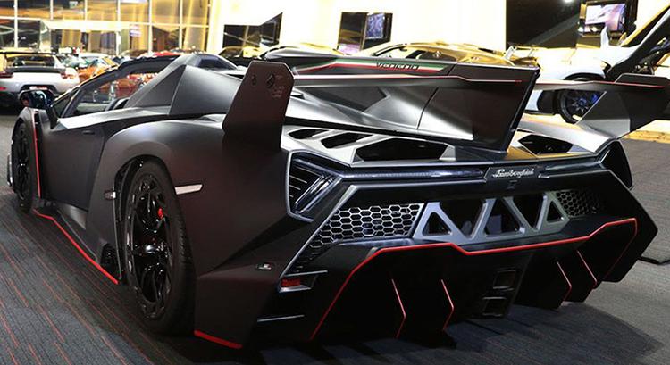 Вид Lamborghini Veneno