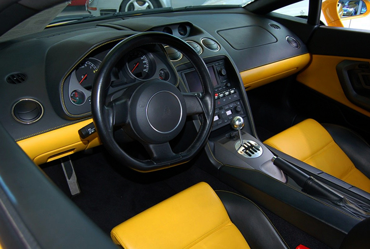 Салон Lamborghini Gallardo
