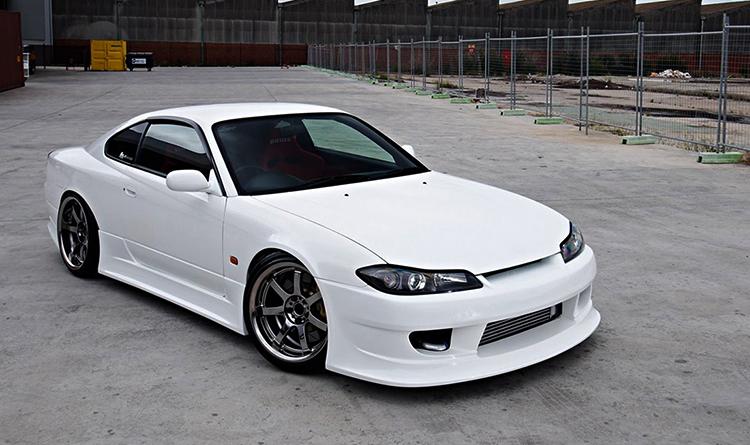 Автомобиль Nissan Silvia