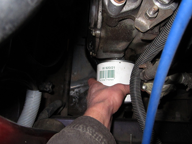 Замена масляного фильтра на ВАЗ-2110