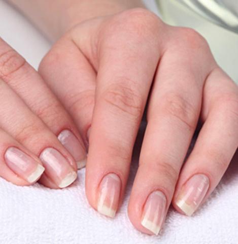 Ухоженные ногти с японским маникюром