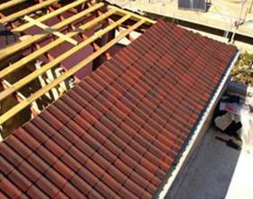Сколько в среднем стоит покрыть крышу ондулином