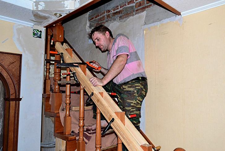 Работы по монтажу лестницы
