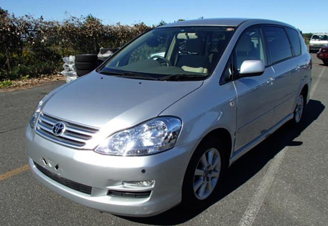 Toyota Ipsum 2 поколения