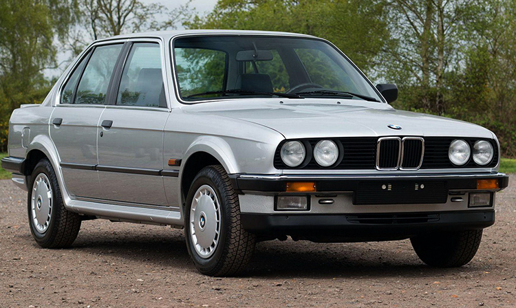BMW E30 в хорошем состоянии