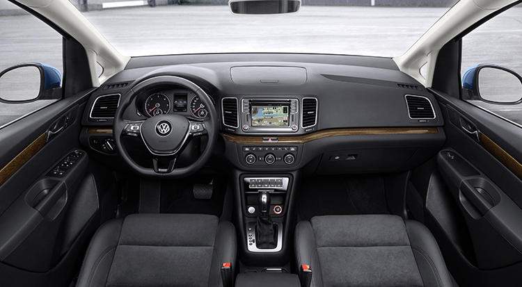 Интерьер Volkswagen Sharan