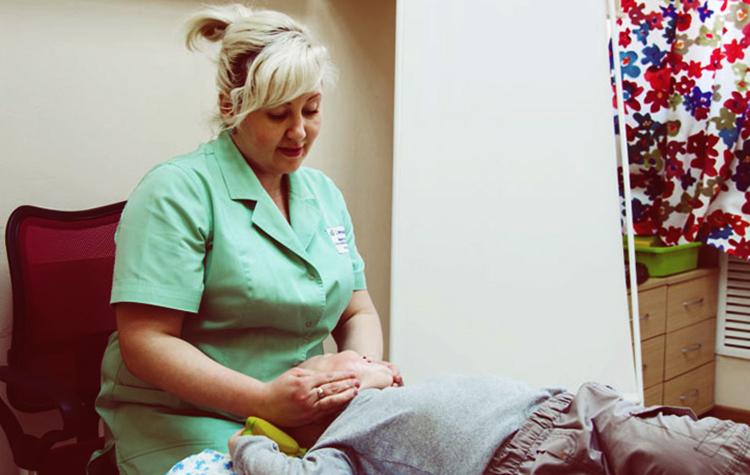Проведение логопедического массажа