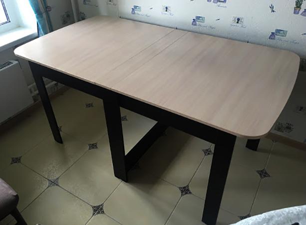 Установленный раскладной стол