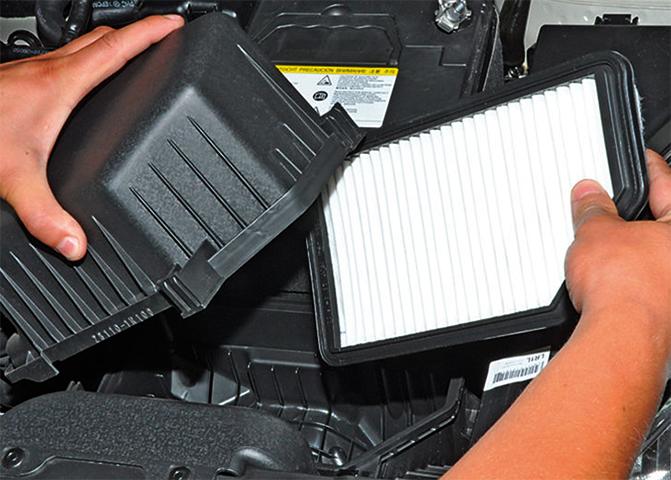 Замена воздушного фильтра на Hyundai Solaris