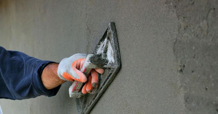 Выполнение работ по штукатурке стен