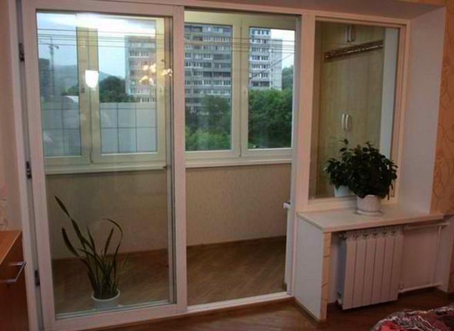 Французский тип оконного блока с балконной дверью
