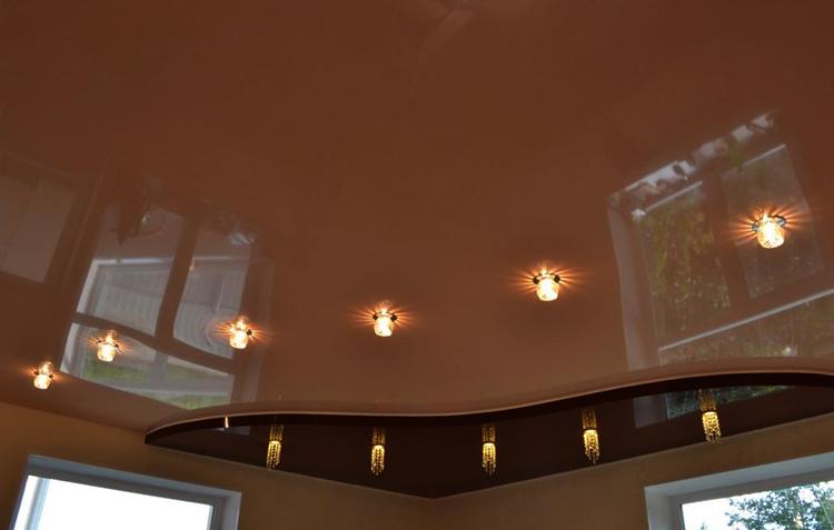 Красивый двухуровневый натяжной потолок