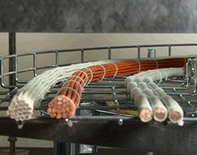 Сколько стоит прокладка кабеля в лотках: цены и особенности