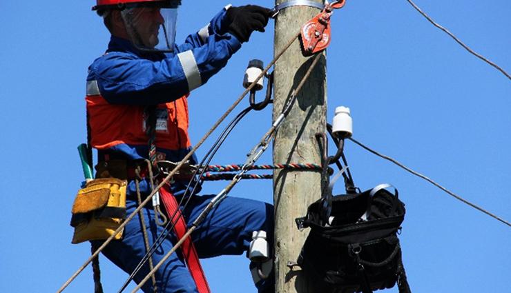 Прокладка телефонного кабеля на высоте