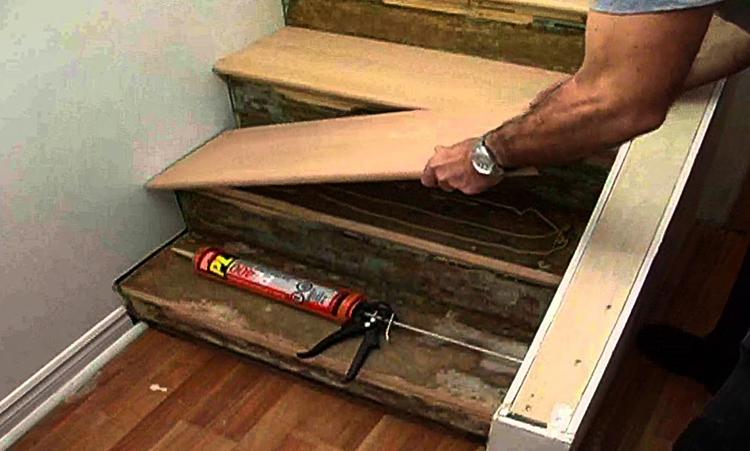 Процесс реставрации лестницы из дерева