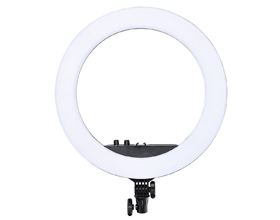 Сколько в среднем стоит кольцевая лампа?