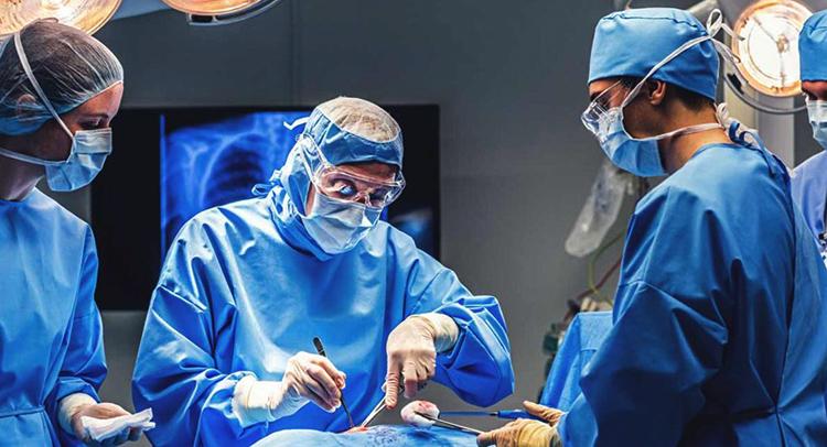 Проведение операции по эндопротезированию тазобедренного сустава