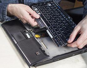 Во сколько обойдется замена встроенной клавиатуры на ноутбуке?