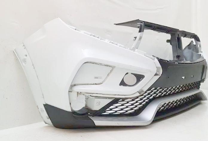 Передний бампер на Lada XRAY Cross