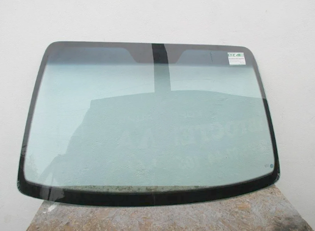 Новое лобовое стекло на Chevrolet Lacetti