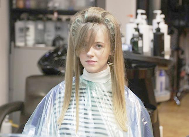 Создание прикорневого объема волос в салоне