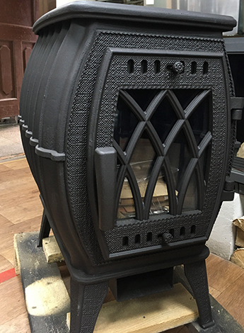 Черная печь-камин Бахта
