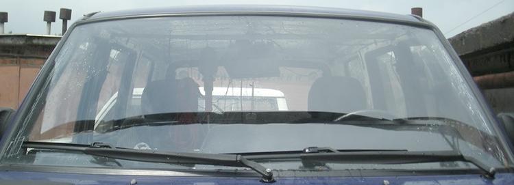 Лобовое стекло на УАЗ Патриот