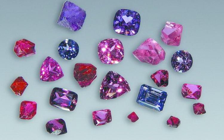 Разные расцветки камня Шпинель
